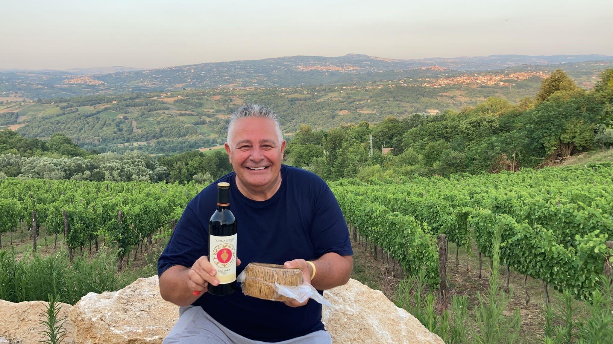Behind the bottle – Tony Fink – Donna Elvira's wine producer